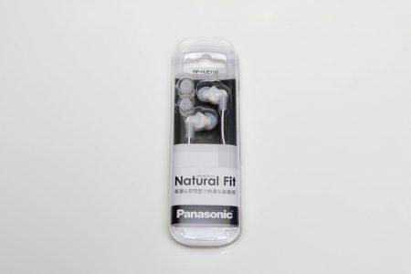 会社でのイヤホン(Panasonic RP-HJE150)