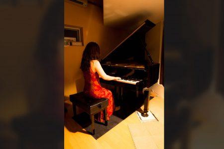 ピアノの撮影をする